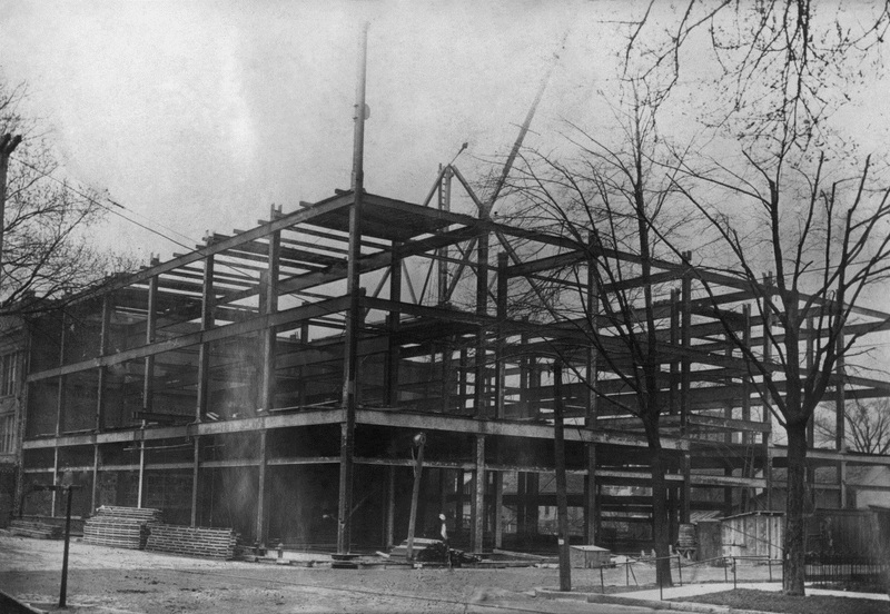 The construction of Robeson Department Store, 1917