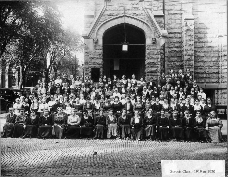 Sorosis class of 1919 or 1920 outside the First United Methodist Church