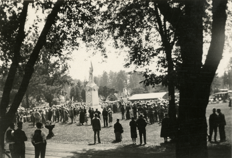 Decoration Day at Mount Hope Cemetery, 1930